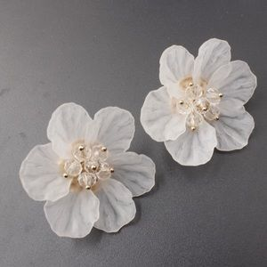 Jewelry - White rose flower earrings NWT